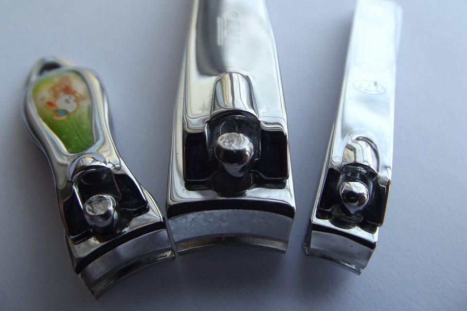 Ogni quanto tagliare le unghie : Frequenza e Cura